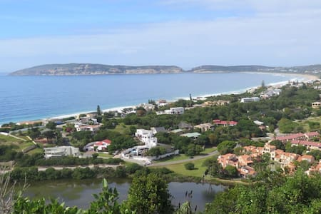 SUNNY TOWNHOUSE 400 METRES FROM SEA - Plettenberg Bay