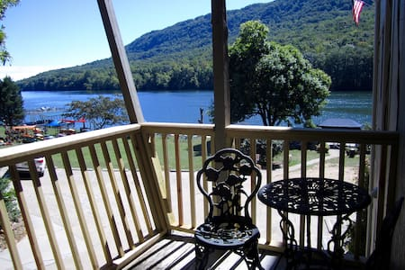 Spend the Holidays on the TN River! - Sleep 4 - Chattanooga