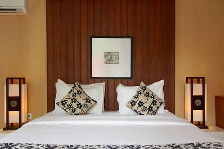 Regal Villa at Lombok! - Mataram - Villa