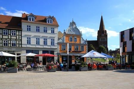 Großzügige Wohnung in Zentrumsnähe - Lägenhet