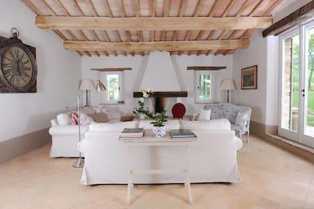 7 bedroom luxury villa in Le Marche - Apiro