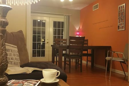 Convenient Midtown Home *3 Bedrooms* Sunny/Bright - Tulsa