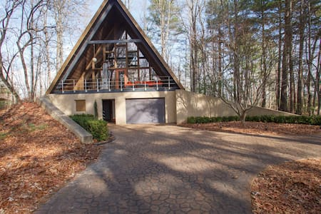 Treehouse  / A-Frame - Mills River - House