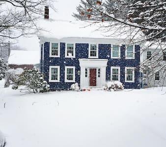 VT Retreat Near Skiing & Mass. MoCA - Stamford - Lägenhet