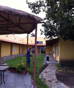 Quartos cidade Huambo-Rooms Huambo - Huambo - Bed & Breakfast