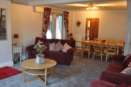 Friendly, modern home near Durham. - Spennymoor - Casa
