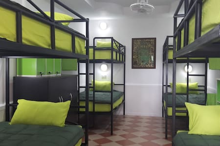 mangoes motel  room for 8 persons near Bang saray - Na Chom Thian - Bed & Breakfast