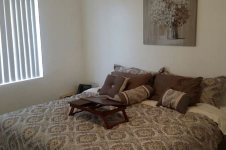 Comfy King Size Bed & Massage Chair - Maison