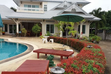 The Loxdale Manor in Hua Hin Thailand - 一軒家