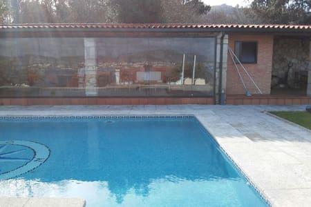 Preciosa casa con piscina en rias bajas gallegas - Villa