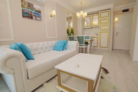 Luxury Baroque Apartment | Harmony Suites 9 - Apartamento