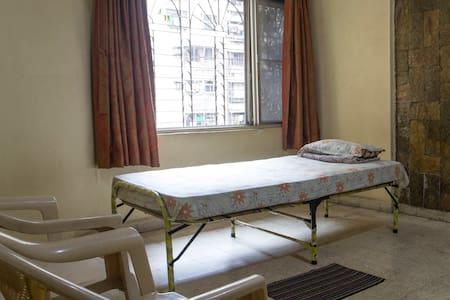 A room for those who roam :) - Mumbai