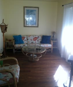 Two Bedrooms in Beautiful Bel Marin Keys - Hus