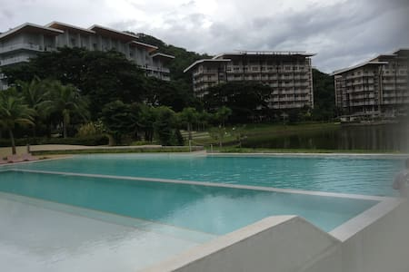Pico de Loro country & beach condo - Kondominium