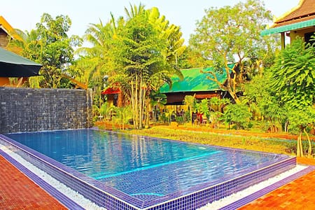 Nikkivinsi - Twin Bed & Breakfast, Free Pick Up - Krong Siem Reap