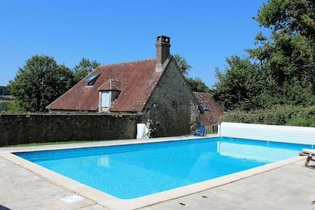 Belle longère-piscine-12 personnes - Boissy-Maugis