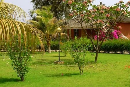 CAMPEMENT ECO-TOURISTIQUE FADIDI - Bed & Breakfast