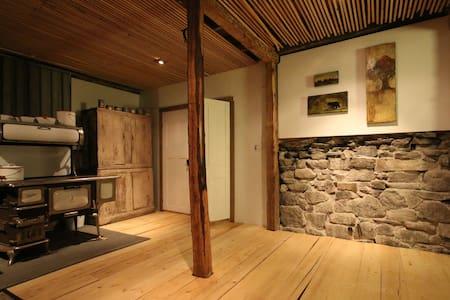 The BarnLoft - a four season restored country barn - Stone Mills - Loft