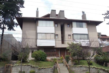 Aconchegante apartamento no centro de Gramado - Wohnung