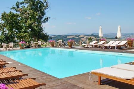 Appartamento di lusso con piscina - Urbino