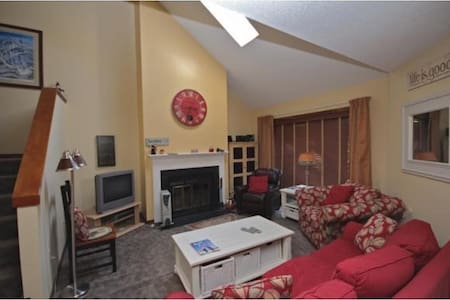 Cozy Condo For Hiking-Skiing Lovers - Condominium