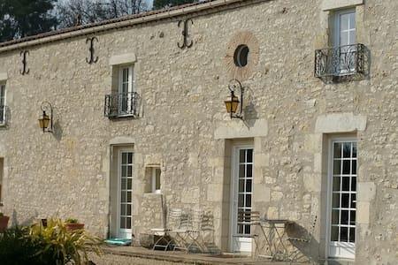 Le Bijou, near Des Vigiers Golf Monestier Dordogne - Ligueux