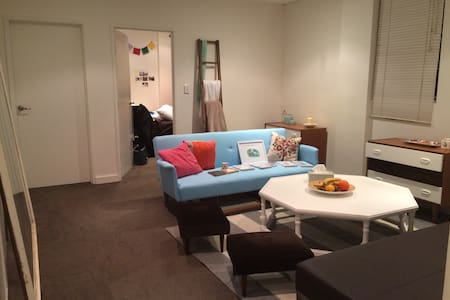 Room available 10th December - 5th January. Unlimited WIFI & Utilities (Water & Gas) included. Centrally located in the heart of Surry Hills/Darlinghurst  3 bedroom apartment is new, clean,beautifully furnished with a sunny courtyard.
