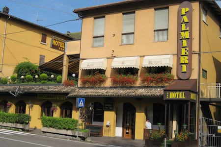 B&B A 15 Minuti da Bologna - Camera 250 luminosa - Bed & Breakfast