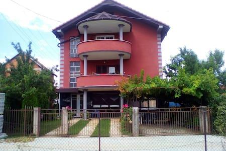 House - Casa