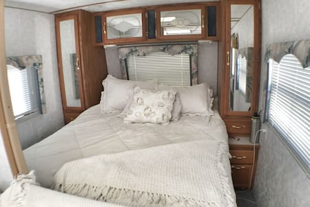 Beautiful private travel coach. - Camping-car/caravane