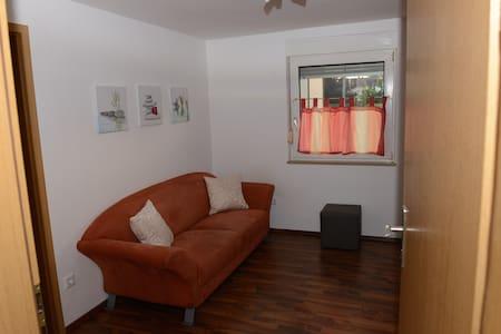 Kompl. ausgestattetes 2 Zi-Apart. - Appartement