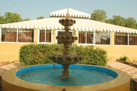 Royal Farm - Pushkar - Bed & Breakfast