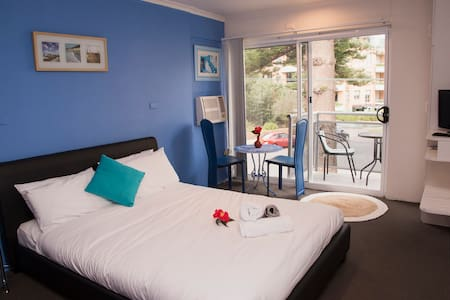 Cosy private room for couples, free parking - Andere