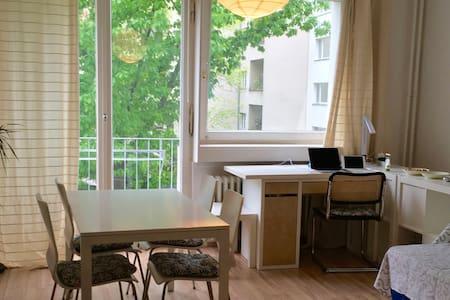 Quiet & lovely, near Kurfürstendamm - Apartment