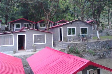 BIRDS Resort RISHIKESH - Hut