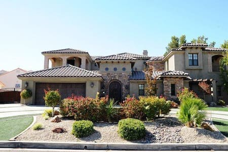 Tuscany Style Casita w/Private Entrance & Bathroom - Casa