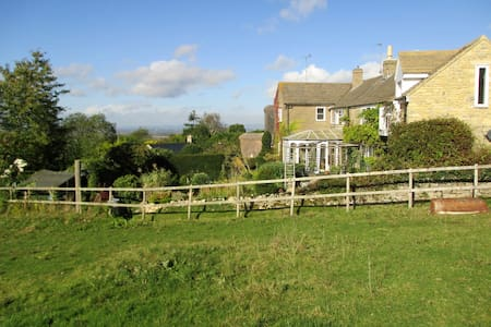 Double room in the Cotswolds, close to Cheltenham. - Casa