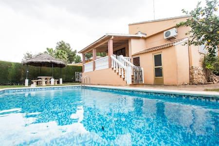 Great Villa Valencia pool-families - L'eliana - Chalet