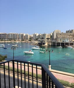 Central St Julian's Flat with a Seaviews - Apartamento