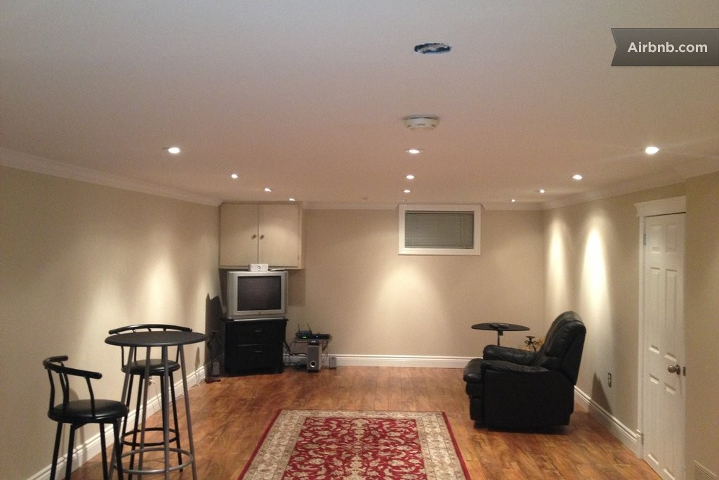 Furnished Basement Apartment In Oakville
