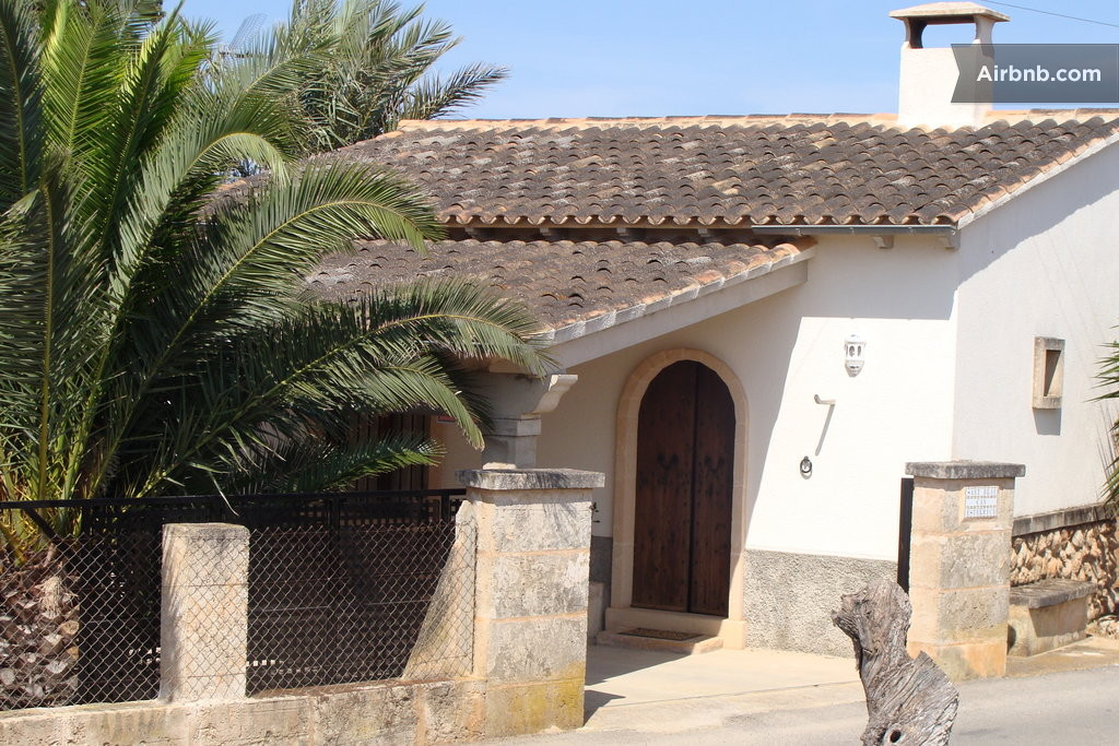 Casa en mallorca cerca de es trenc in campos - Casas de mallorca ...