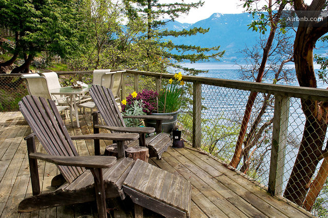 Waterfront Cottage Spectacular View in Bowen Island