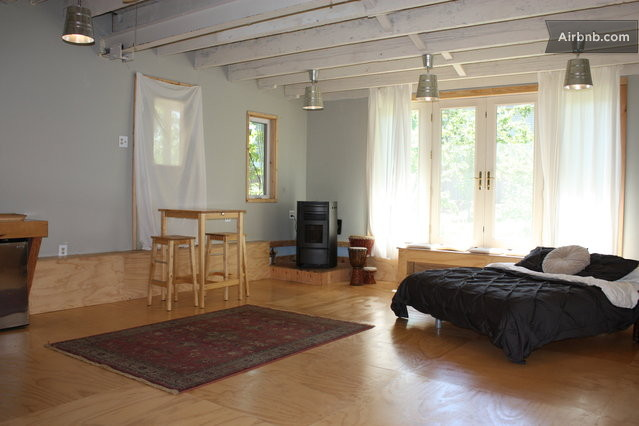 Private large studio apartment in portland for A list salon portland