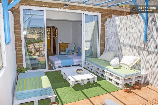 Decorar terraza de estilo chill out decogarden auto for Estilos de terrazas