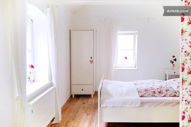 romantisch wohnen in biberach ri in biberach. Black Bedroom Furniture Sets. Home Design Ideas
