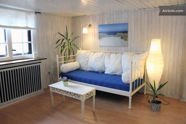 helle maritime wohnung strandnah in rostock. Black Bedroom Furniture Sets. Home Design Ideas