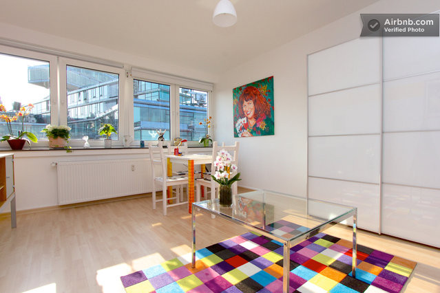 mini wohnung mitten im zentrum in hannover. Black Bedroom Furniture Sets. Home Design Ideas
