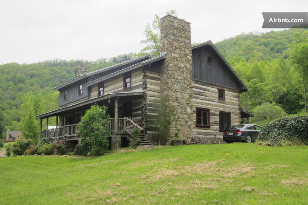 Authentic hand hewn log cabin in hot springs for Hand hewn log cabin kits