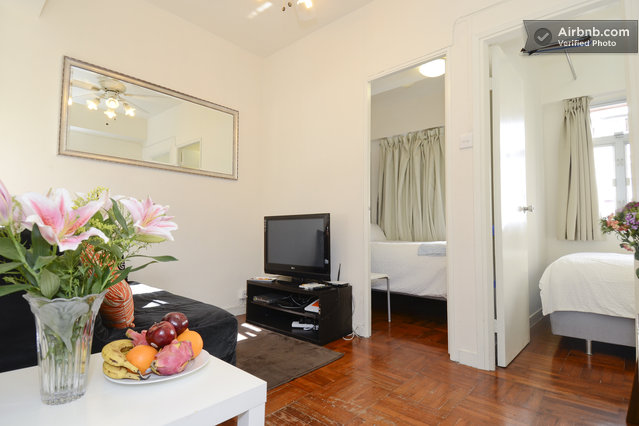 large HK Central Apartment Near Train Station