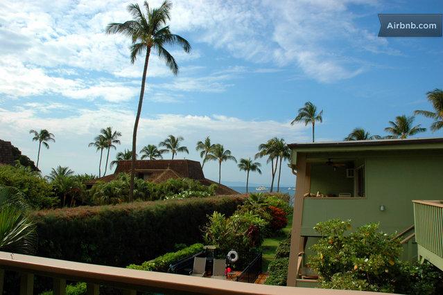 large Featured Hawaiian Island: Maui
